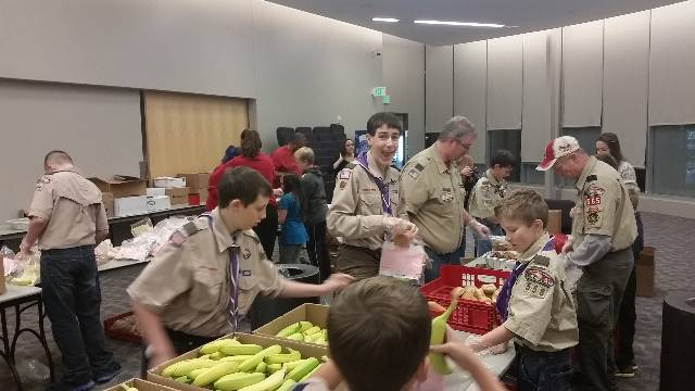 Troop 558 Packing Meals for Salvation Army